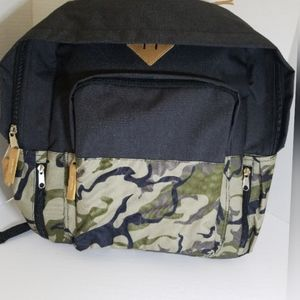 NWT  Travelway padded backpack